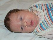 Eliška Uchytilová ze Zlína se narodila 8.3.2012, míra 45 cm, váha 2490 g