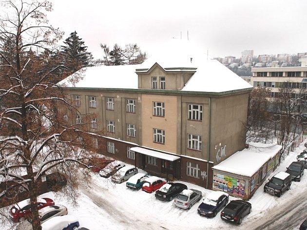 Co s ní bude? Budova bývalého Okresního soudu ve Zlíně.