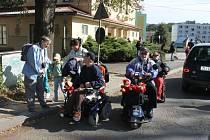 Okolí Vizovic vede první turistická trasa, která je určená i pro vozíčkáře. Ti ji společně s Klubem českých turistů slavnostně otevřeli v sobotu 22. září ve Vizovicích.