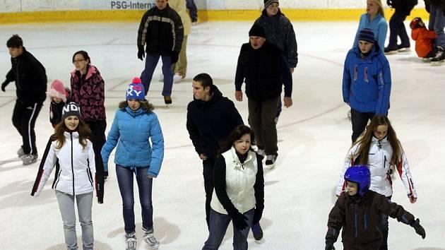 Bruslení pro veřejnost na zimním stadionu (aréna PSG) ve Zlíně.