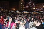 Vánoční jarmark na  náměstí Míru ve Zlíně. Vystoupení Marka Ztraceného.