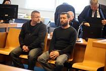 Pavel Čaniga a Robert  Sedlařík  u krajského soudu ve Zlíně.