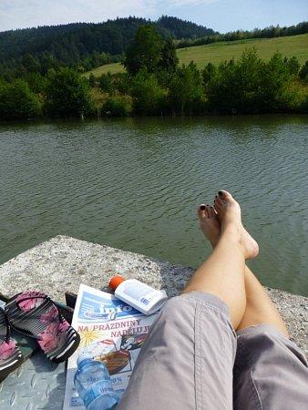 Soutěžící číslo 15 - Michaela Bartošová, voda, hory, slunce, relax… co víc si přát? Vodní nádrž Slopné.