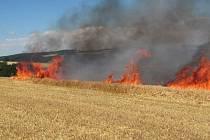 Požár pole u Halenkovic
