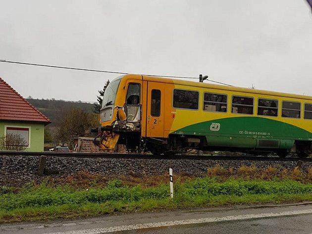Srážka vlaku s náklaďákem v Želechovicích