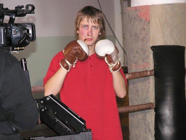 Roli Rockyho Jiřího ztvárnil Tomáš Čermák.