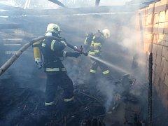 Stodolu v Bratřejově v pondělí 9. července navečer zachvátil požár.