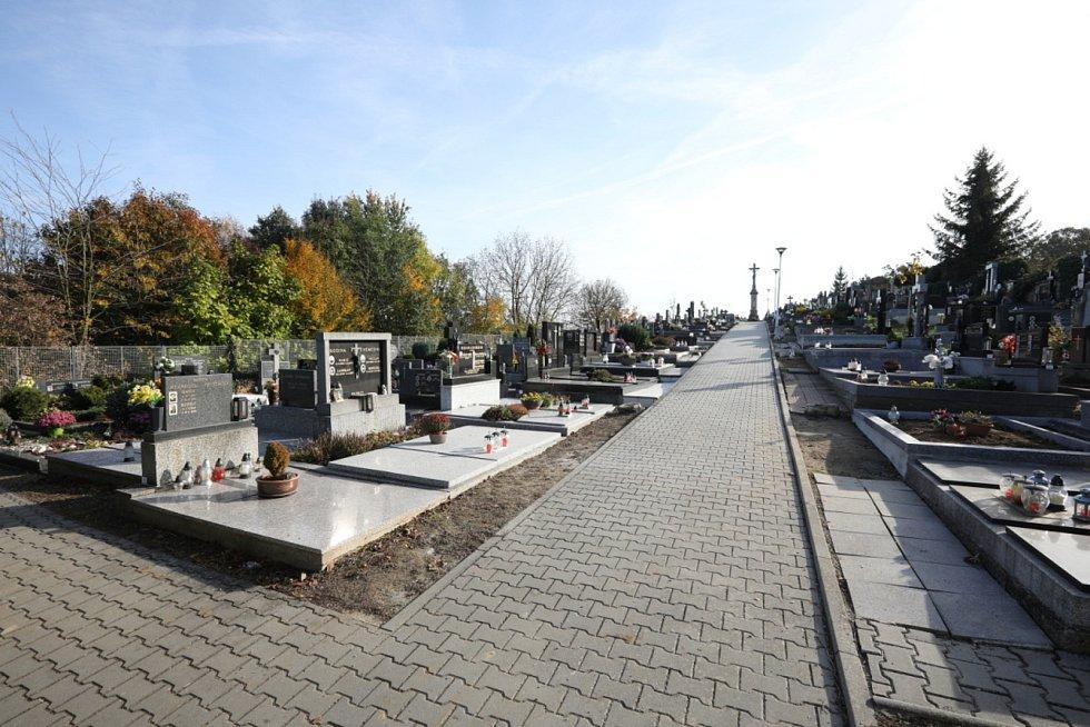 Obec Mysločovice. Hřbitov.