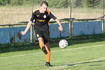 Bezbrankovou remízu přinesl sobotní fotbalový duelu I. B třídy skupiny B v Loukách, kde uhrály Ludkovice (bílo-modří) cenný bod.