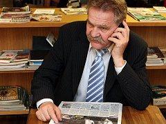 Osobností Roku 2009 Zlínského kraje se 12. dubna stal soudce, spisovatel a folklórista Josef Holcman.
