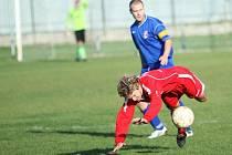 Fotbalové utkání Tlumačov (modří) - Březnice.