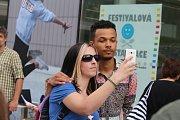 58. Mezinárodní festival filmů pro děti a mládež. TK k filmu Úsměvy smutných mužů. Režisér Daniel Svátek