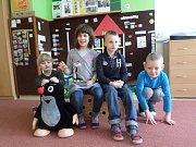 Základní škola Branky, třídní učitelka a ředitelka školy Lenka Kajabová; prvňáčci: Filip Gábor, Dan Cahlík a Maruška Glížová