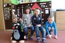 Letošní prvňáčci ze Základní školy Zlín, Středová: Terezka, Marjánka, Mareček, Tomášek. Jsou moc šikovní, do školy chodí rádi a dělají učitelkám jen radost.
