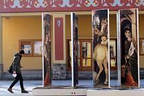 Kinetický městský betlém Jitky Šelepové s obrazem od malíře Gentile da Fabriána v Napajedlích.