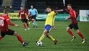 Prvoligoví fotbalisté Fastavu Zlín (ve žlutém) v sobotním 16. kole v odvetě doma hostili nováčka z Opavy. Na snímku Podio.