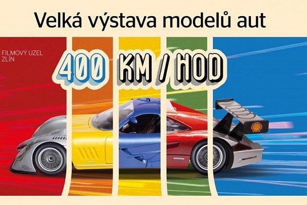 Velká výstava modelů aut.