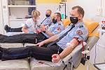 Sedm strážníků zlínské městské policie darovalo rekonvalescentní plazmu.