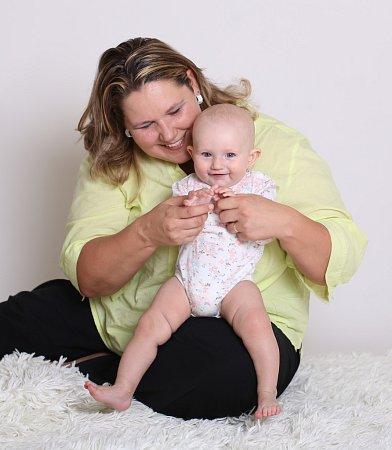 Maminka Renáta Krystyníková zNapajedel se svou dcerkou Adélkou, která se narodila vroce 2014.