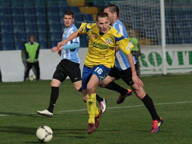 Martin Bača (ve žlutém), fotbal Zlín