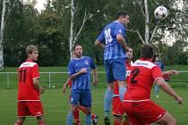 Fotbal I. B třída KFS Zlín: Kostelec u Holešova (modří) - Slavičín B