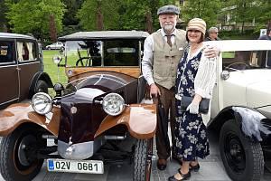 Láska ke starým vozům. Vlastní Tatrovku i Fantozziho Bianchinu