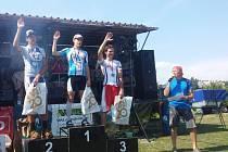 Martin Hečko z vyhlašování výsledků v závodu v miniduatlonu v Kunovicích.