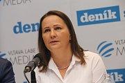 Setkání s hejtmanem. Oblastní ředitelka Nadace Kateřina Pivoňková