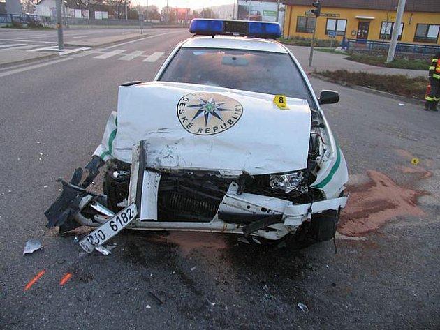 Nehoda policejního auta s taxíkem, Zlín, Malenovice