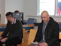 Obžalovaný Jaroslav Pešek u krajského soudu ve Zlíně
