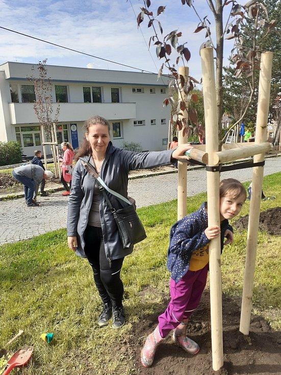 Sázení stromů v Luhačovicích, 15. května 2021
