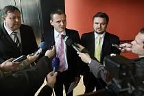 Ministr dopravy Vít Bárta v pátek 8. října navštívil Zlín, aby se tady informoval o průběhu výstavby některých významných silničních úseků.