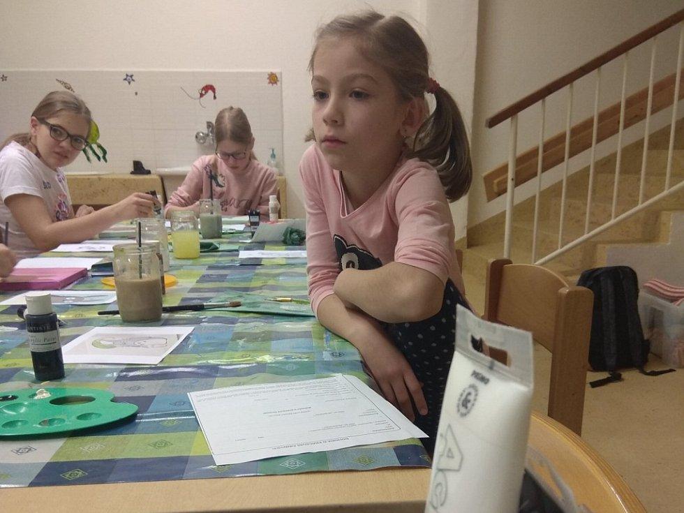 Děti si užily tvoření s nápadem. A že se nenudily