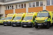 Zdravotnická záchranná služba Zlínského kraje převzala sedm nových sanitek