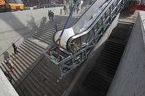 Instalace eskalátorů do podchodu na náměstí Práce ve Zlíně.