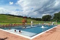 Koupaliště v Brumově-Bylnici nabízí spoustu atrakcí i čisté okolí.