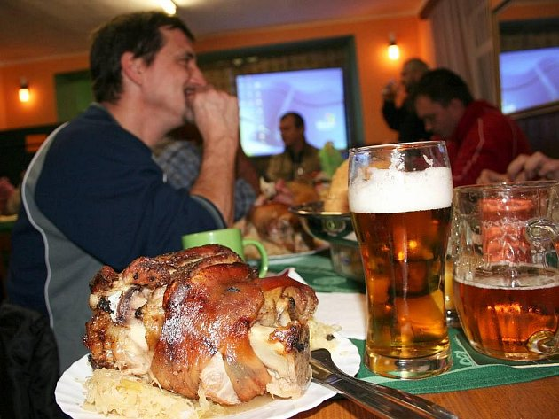 Potřetí se konal v Sidonii, místní části Brumova – Bylnice, Oktoberfest. Uspořádalo jej tradičně místní sdružení Kolo-běžky. Návštěvníci jedli pečené kolena se zelím, které zapíjeli pivem.
