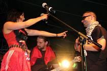 Přes sedm set převážně mladých lidí zavítalo o víkendu 30. až 31. července k obci Rudimov na Luhačovicku. Konal se zde třetí ročník multikulturního hudebního festivalu Lebeda.