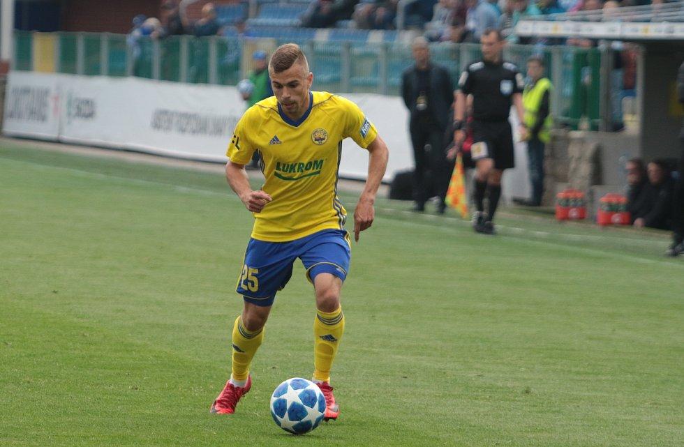 Fotbalisté Zlína (žluté dresy) zakončili základní část FORTUNA:LIGY na stadionu v Mladé Boleslavi. Na snímku Martin Nečas.
