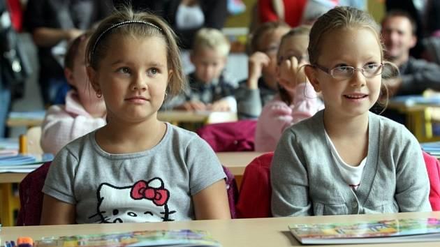 Žáci 1. A ZŠ Emila Zátopka ve Zlíně, paní učitelka Marie Lipenská.