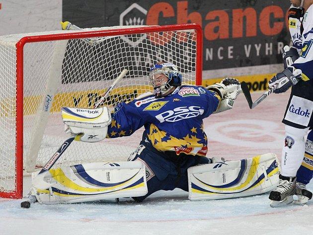 Hokej Zlín (v modrožlutém) - Plzeň