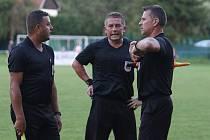 Fotbalisté Slavičína (v modrých dresech) ve středu v rámci 1. kola Mol Cupu vyzvali Frýdek Místek.
