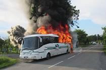 Na Kudlově shořel autobus