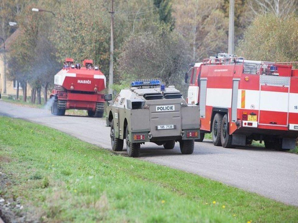 Ve Vrběticích nasadili pyrotechnici speciální techniku.
