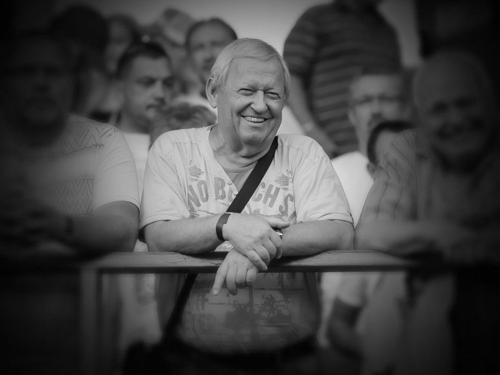 Zlínský fotbal zasáhla smutná zpráva. Početné zástupy ševců opustil Antonín Parolek. Bylo mu devětašedesát let.