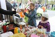 V krajském městě si mohly stovky lidí vyzkoušet i tradiční způsoby výzdoby vajíček, pletení tatarů, výrobu jarních věnců a mnoho dalšího.