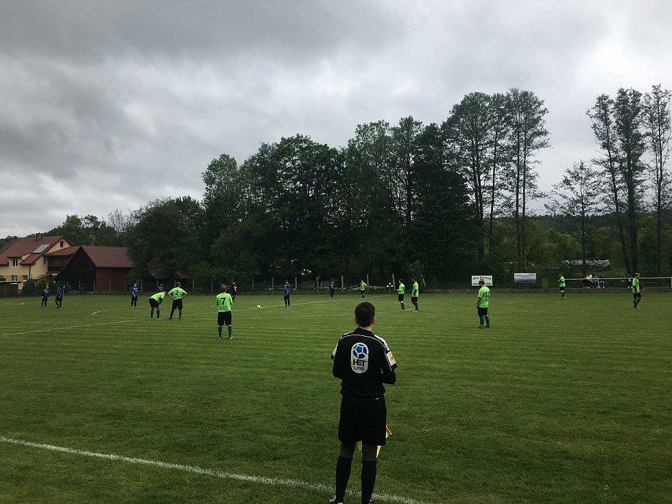 Fotbalisté Újezdu zvítězili v prvním zápase Ligy4 na hřišti Vysokého Pole 6:2.