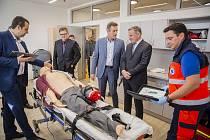 Dokončená nástavba vzdělávacího a výcvikového střediska Zdravotnické záchranné služby Zlínského kraje na zlínském Peroutkově nábřeží byla vúterý slavnostně otevřena.