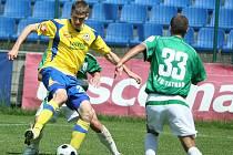 Tomáš Poznar (ve žlutém).