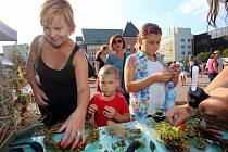 Kejklířský jarmark na náměstí Míru ve Zlíně.